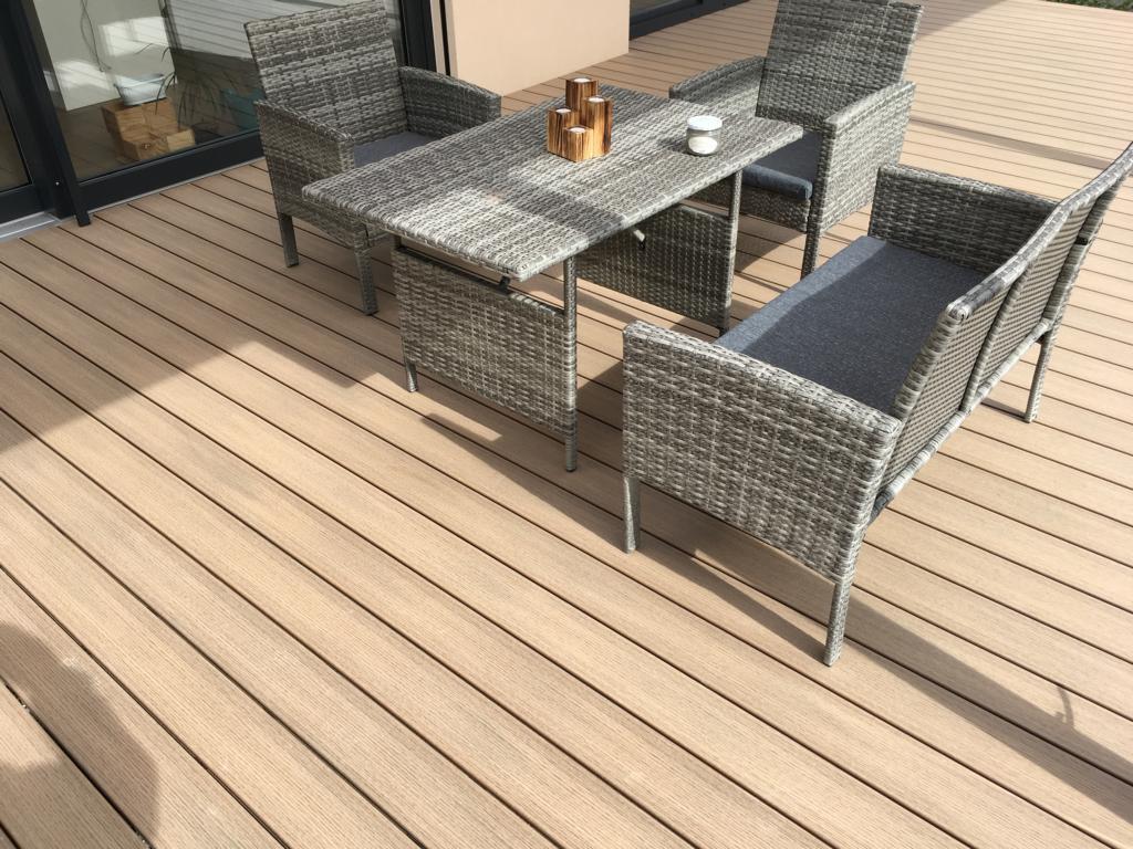 terasa dřevoplast